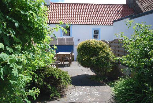 Fully enclosed garden