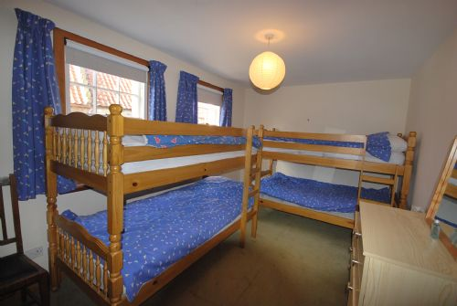Bunk room (two sets of adult bunk beds)