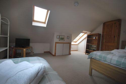 Twin bedroom (ensuite) 2
