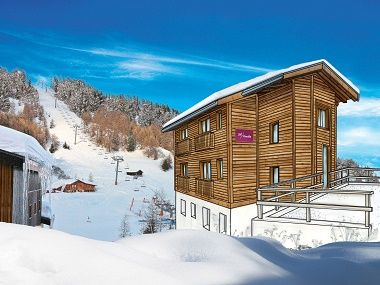 Baby Friendly Holidays at Chalet Delphine - Family Room