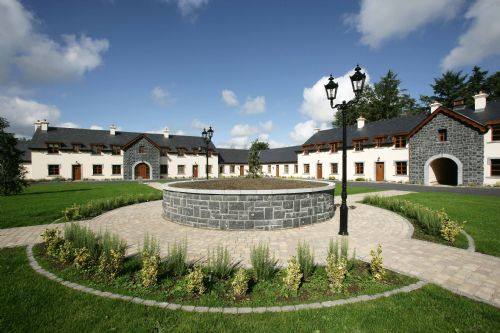 Mount Falcon, Courtyard Lodges, Ballina,  Co.Mayo - 4 Bed - Sleeps 8