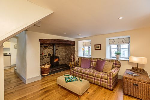 Upfront,up,front,reviews,accommodation,self,catering,rental,holiday,homes,cottages,feedback,information,genuine,trust,worthy,trustworthy,supercontrol,system,guests,customers,verified,exclusive,ghillie's cottage ,rivercatcher,llandrillo,,image,of,photo,picture,view