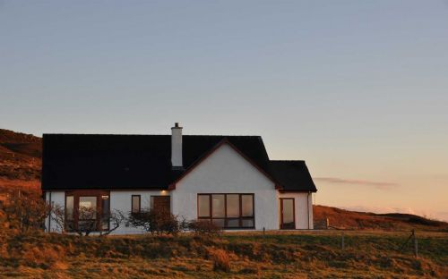 Upfront,up,front,reviews,accommodation,self,catering,rental,holiday,homes,cottages,feedback,information,genuine,trust,worthy,trustworthy,supercontrol,system,guests,customers,verified,exclusive,point piper,islands and highlands cottages,claigan,,image,of,photo,picture,view