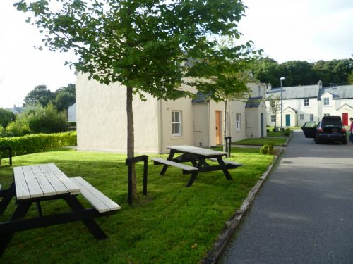 Upfront,up,front,reviews,accommodation,self,catering,rental,holiday,homes,cottages,feedback,information,genuine,trust,worthy,trustworthy,supercontrol,system,guests,customers,verified,exclusive,bunratty castle gardens, bunratty, co. clare - 3 bedroom sleeps 6,relax ireland - the holiday home experts,bunratty,,image,of,photo,picture,view