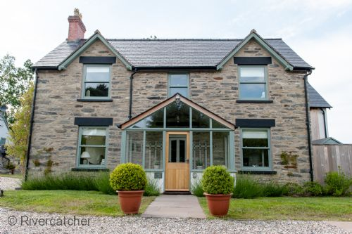 Upfront,up,front,reviews,accommodation,self,catering,rental,holiday,homes,cottages,feedback,information,genuine,trust,worthy,trustworthy,supercontrol,system,guests,customers,verified,exclusive,cilan farmhouse (sleeps 10),rivercatcher,llandrillo,,image,of,photo,picture,view