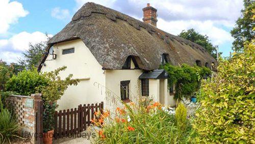 Longhouse Cottage