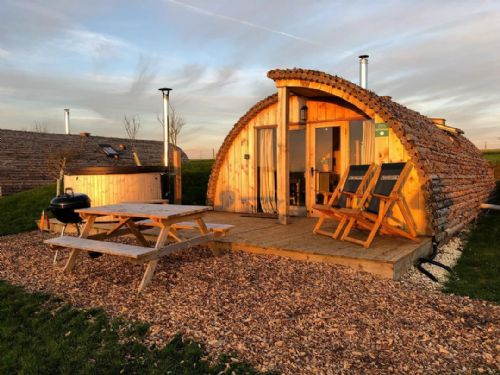 Upfront,up,front,reviews,accommodation,self,catering,rental,holiday,homes,cottages,feedback,information,genuine,trust,worthy,trustworthy,supercontrol,system,guests,customers,verified,exclusive,modulog 1 with log burning tub,tapnell farm,yarmouth,,image,of,photo,picture,view