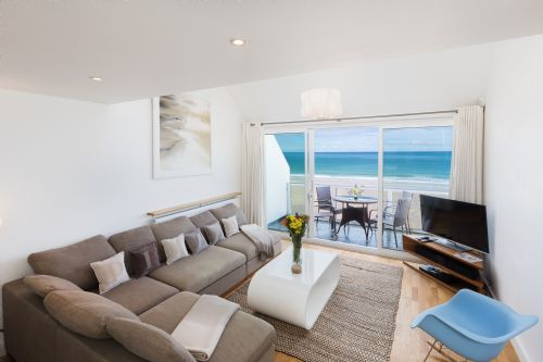 Upfront,up,front,reviews,accommodation,self,catering,rental,holiday,homes,cottages,feedback,information,genuine,trust,worthy,trustworthy,supercontrol,system,guests,customers,verified,exclusive,20 piazza,cherished cottages ltd,st ives,,image,of,photo,picture,view