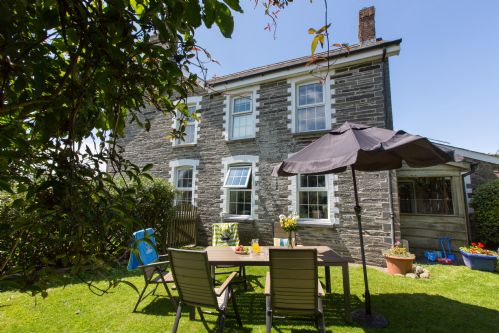 Upfront,up,front,reviews,accommodation,self,catering,rental,holiday,homes,cottages,feedback,information,genuine,trust,worthy,trustworthy,supercontrol,system,guests,customers,verified,exclusive,the farmhouse,croft farm & celtic cottages,cardigan,,image,of,photo,picture,view