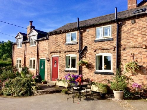 Upfront,up,front,reviews,accommodation,self,catering,rental,holiday,homes,cottages,feedback,information,genuine,trust,worthy,trustworthy,supercontrol,system,guests,customers,verified,exclusive,baker's cottage,sandstone trail cottages,chester,,image,of,photo,picture,view