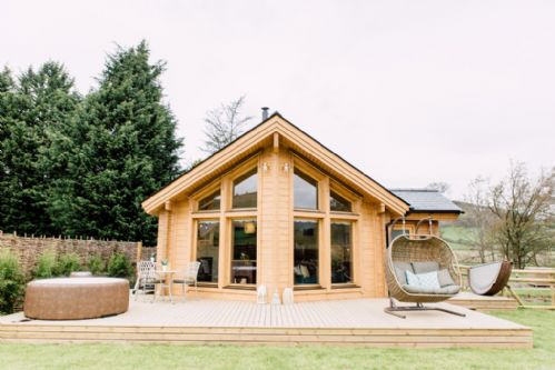 Upfront,up,front,reviews,accommodation,self,catering,rental,holiday,homes,cottages,feedback,information,genuine,trust,worthy,trustworthy,supercontrol,system,guests,customers,verified,exclusive,gezellig log cabin,rivercatcher,llandrillo,,image,of,photo,picture,view