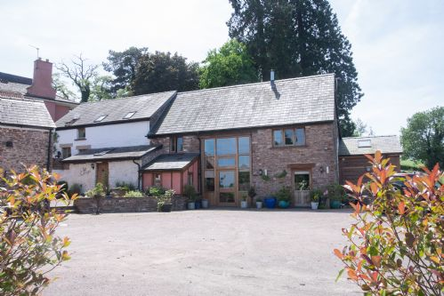 Upfront,up,front,reviews,accommodation,self,catering,rental,holiday,homes,cottages,feedback,information,genuine,trust,worthy,trustworthy,supercontrol,system,guests,customers,verified,exclusive,brambles barn,thatch close cottages,ross on wye,,image,of,photo,picture,view