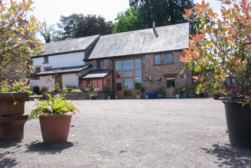 Upfront,up,front,reviews,accommodation,self,catering,rental,holiday,homes,cottages,feedback,information,genuine,trust,worthy,trustworthy,supercontrol,system,guests,customers,verified,exclusive,valley view,thatch close cottages,ross on wye,,image,of,photo,picture,view