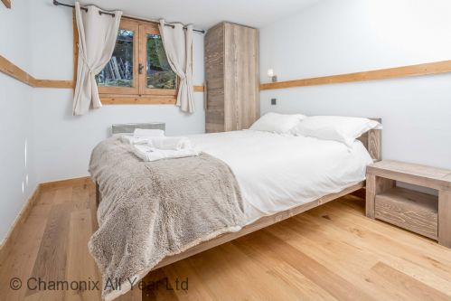 Upfront,up,front,reviews,accommodation,self,catering,rental,holiday,homes,cottages,feedback,information,genuine,trust,worthy,trustworthy,supercontrol,system,guests,customers,verified,exclusive,chalet eveland,chamonix all year ltd,les houches,,image,of,photo,picture,view