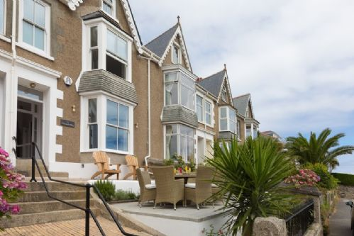 Upfront,up,front,reviews,accommodation,self,catering,rental,holiday,homes,cottages,feedback,information,genuine,trust,worthy,trustworthy,supercontrol,system,guests,customers,verified,exclusive,rock house,cherished cottages ltd,st ives,,image,of,photo,picture,view