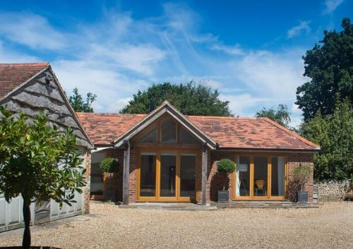 Upfront,up,front,reviews,accommodation,self,catering,rental,holiday,homes,cottages,feedback,information,genuine,trust,worthy,trustworthy,supercontrol,system,guests,customers,verified,exclusive,little barn, birdham,henry adams holiday cottages ,birdham,,image,of,photo,picture,view