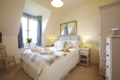 Upfront,up,front,reviews,accommodation,self,catering,rental,holiday,homes,cottages,feedback,information,genuine,trust,worthy,trustworthy,supercontrol,system,guests,customers,verified,exclusive,the glenmoor,westwood lodge ilkley moor,ilkley,,image,of,photo,picture,view