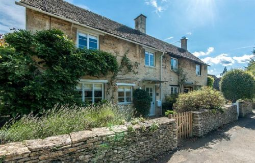 Upfront,up,front,reviews,accommodation,self,catering,rental,holiday,homes,cottages,feedback,information,genuine,trust,worthy,trustworthy,supercontrol,system,guests,customers,verified,exclusive,claypot cottage,claypot cottage,cirencester,,image,of,photo,picture,view