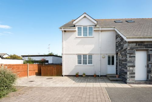 Upfront,up,front,reviews,accommodation,self,catering,rental,holiday,homes,cottages,feedback,information,genuine,trust,worthy,trustworthy,supercontrol,system,guests,customers,verified,exclusive,bryn eglwys,anglesey holiday lettings ,rhosneigr,,image,of,photo,picture,view