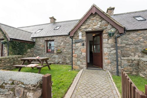 Upfront,up,front,reviews,accommodation,self,catering,rental,holiday,homes,cottages,feedback,information,genuine,trust,worthy,trustworthy,supercontrol,system,guests,customers,verified,exclusive,bwthyn siwan,anglesey holiday lettings ,aberffraw,,image,of,photo,picture,view