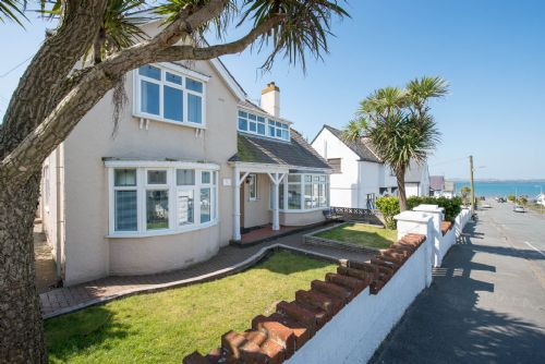 Upfront,up,front,reviews,accommodation,self,catering,rental,holiday,homes,cottages,feedback,information,genuine,trust,worthy,trustworthy,supercontrol,system,guests,customers,verified,exclusive,hen gi mor,anglesey holiday lettings ,rhosneigr,,image,of,photo,picture,view