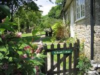 Upfront,up,front,reviews,accommodation,self,catering,rental,holiday,homes,cottages,feedback,information,genuine,trust,worthy,trustworthy,supercontrol,system,guests,customers,verified,exclusive,nuthatch at lea hill,my favourite cottages,membury, axminster,,image,of,photo,picture,view