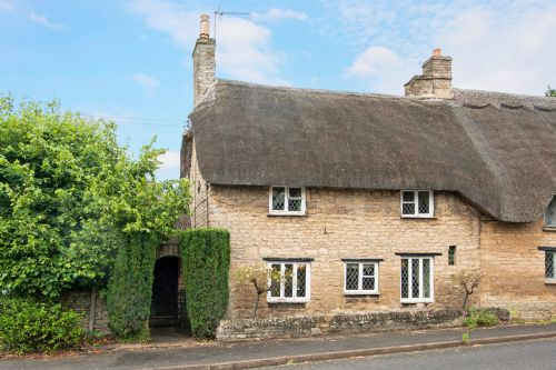 Upfront,up,front,reviews,accommodation,self,catering,rental,holiday,homes,cottages,feedback,information,genuine,trust,worthy,trustworthy,supercontrol,system,guests,customers,verified,exclusive,stone walls cottage,cotswold & vale lettings,shipston-on-stour,,image,of,photo,picture,view
