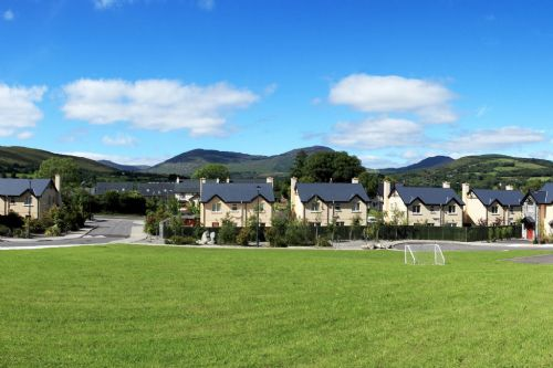 Upfront,up,front,reviews,accommodation,self,catering,rental,holiday,homes,cottages,feedback,information,genuine,trust,worthy,trustworthy,supercontrol,system,guests,customers,verified,exclusive,14 ardmullen 3 bed walnut ,kenmare rentals.com,kenmare,,image,of,photo,picture,view