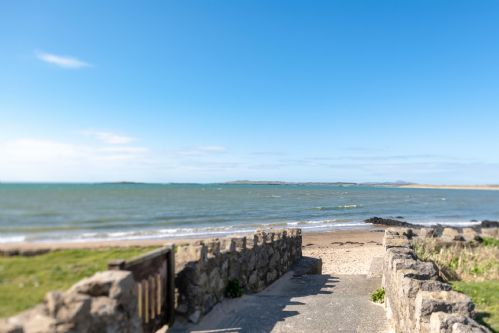 Upfront,up,front,reviews,accommodation,self,catering,rental,holiday,homes,cottages,feedback,information,genuine,trust,worthy,trustworthy,supercontrol,system,guests,customers,verified,exclusive,marimar,anglesey holiday lettings ,rhosneigr,,image,of,photo,picture,view