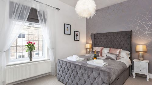 Upfront,up,front,reviews,accommodation,self,catering,rental,holiday,homes,cottages,feedback,information,genuine,trust,worthy,trustworthy,supercontrol,system,guests,customers,verified,exclusive,riverside walk house ,york boutique lets,york ,,image,of,photo,picture,view
