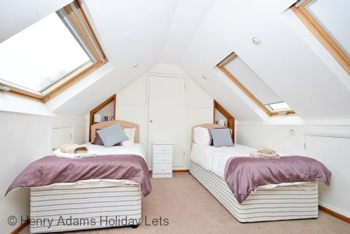 Upfront,up,front,reviews,accommodation,self,catering,rental,holiday,homes,cottages,feedback,information,genuine,trust,worthy,trustworthy,supercontrol,system,guests,customers,verified,exclusive,surima,  chichester,henry adams holiday cottages ,chichester,,image,of,photo,picture,view