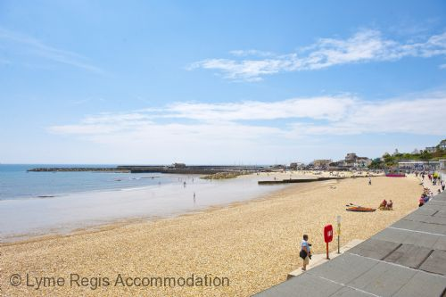 Upfront,up,front,reviews,accommodation,self,catering,rental,holiday,homes,cottages,feedback,information,genuine,trust,worthy,trustworthy,supercontrol,system,guests,customers,verified,exclusive,sundial house,lyme regis accommodation,lyme regis ,,image,of,photo,picture,view