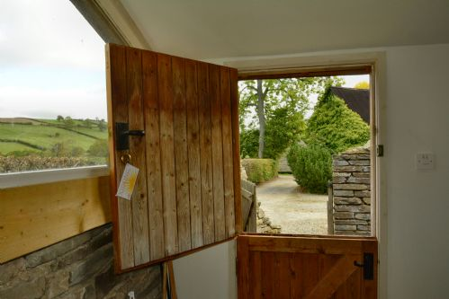 Upfront,up,front,reviews,accommodation,self,catering,rental,holiday,homes,cottages,feedback,information,genuine,trust,worthy,trustworthy,supercontrol,system,guests,customers,verified,exclusive,xidong,squire farm holiday cottages,bucknell,,image,of,photo,picture,view