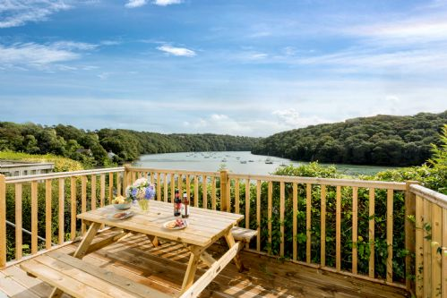 Upfront,up,front,reviews,accommodation,self,catering,rental,holiday,homes,cottages,feedback,information,genuine,trust,worthy,trustworthy,supercontrol,system,guests,customers,verified,exclusive,fal river cottage,fal river cottage,truro,,image,of,photo,picture,view