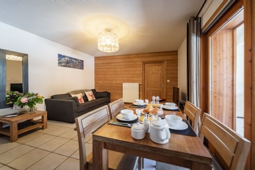 Upfront,up,front,reviews,accommodation,self,catering,rental,holiday,homes,cottages,feedback,information,genuine,trust,worthy,trustworthy,supercontrol,system,guests,customers,verified,exclusive,apartment 4 (1 bed),aiglon morzine ltd,morzine,,image,of,photo,picture,view
