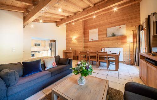 Upfront,up,front,reviews,accommodation,self,catering,rental,holiday,homes,cottages,feedback,information,genuine,trust,worthy,trustworthy,supercontrol,system,guests,customers,verified,exclusive,apartment 12 (3 bed + cabin),aiglon morzine ltd,morzine,,image,of,photo,picture,view