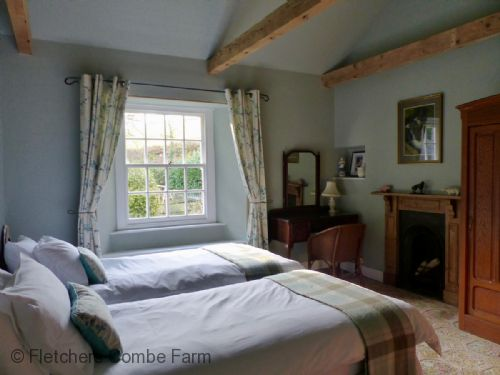 Upfront,up,front,reviews,accommodation,self,catering,rental,holiday,homes,cottages,feedback,information,genuine,trust,worthy,trustworthy,supercontrol,system,guests,customers,verified,exclusive,combined farmhouse and barns,fletchers combe farm ,totnes,,image,of,photo,picture,view