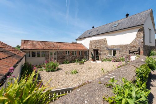 Upfront,up,front,reviews,accommodation,self,catering,rental,holiday,homes,cottages,feedback,information,genuine,trust,worthy,trustworthy,supercontrol,system,guests,customers,verified,exclusive,the stables at parkgate ,my favourite cottages,tawstock, barnstaple ,,image,of,photo,picture,view