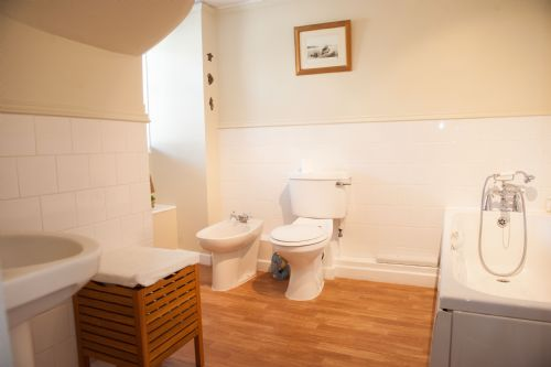 Upfront,up,front,reviews,accommodation,self,catering,rental,holiday,homes,cottages,feedback,information,genuine,trust,worthy,trustworthy,supercontrol,system,guests,customers,verified,exclusive,lavender cottage,lyme regis accommodation,lyme regis,,image,of,photo,picture,view