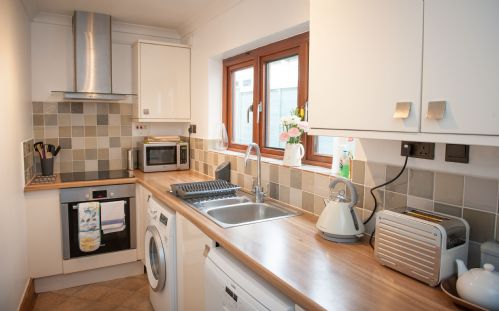 Upfront,up,front,reviews,accommodation,self,catering,rental,holiday,homes,cottages,feedback,information,genuine,trust,worthy,trustworthy,supercontrol,system,guests,customers,verified,exclusive,teal house,lyme regis accommodation,lyme regis,,image,of,photo,picture,view
