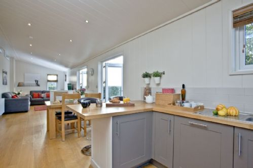 Upfront,up,front,reviews,accommodation,self,catering,rental,holiday,homes,cottages,feedback,information,genuine,trust,worthy,trustworthy,supercontrol,system,guests,customers,verified,exclusive,diamond lodge,strawberryfield park,cheddar,,image,of,photo,picture,view