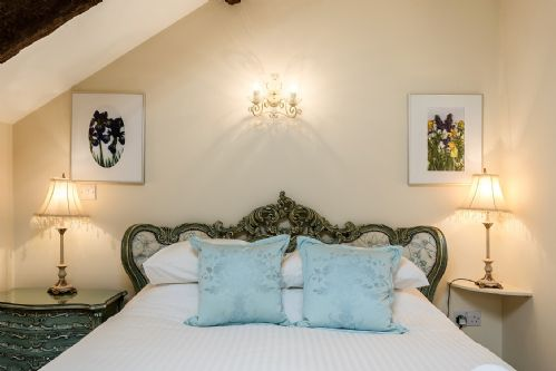 Upfront,up,front,reviews,accommodation,self,catering,rental,holiday,homes,cottages,feedback,information,genuine,trust,worthy,trustworthy,supercontrol,system,guests,customers,verified,exclusive,the stable,aish cross holiday cottages,totnes,,image,of,photo,picture,view