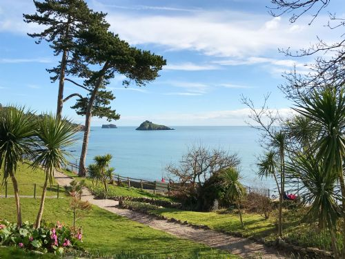 Upfront,up,front,reviews,accommodation,self,catering,rental,holiday,homes,cottages,feedback,information,genuine,trust,worthy,trustworthy,supercontrol,system,guests,customers,verified,exclusive,hesketh crescent luxury duplex apartment,torquay holiday lettings ltd,torquay,,image,of,photo,picture,view