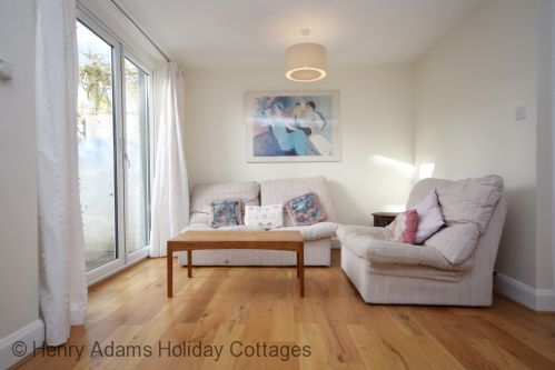 Upfront,up,front,reviews,accommodation,self,catering,rental,holiday,homes,cottages,feedback,information,genuine,trust,worthy,trustworthy,supercontrol,system,guests,customers,verified,exclusive,leaview, midhurst,henry adams holiday cottages ,midhurst,,image,of,photo,picture,view
