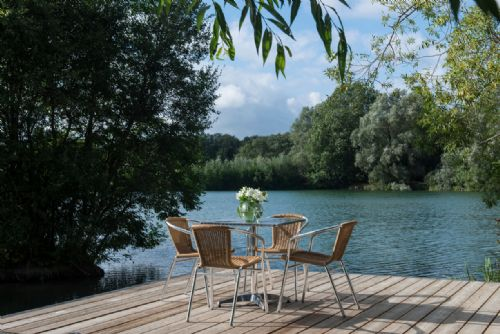 Upfront,up,front,reviews,accommodation,self,catering,rental,holiday,homes,cottages,feedback,information,genuine,trust,worthy,trustworthy,supercontrol,system,guests,customers,verified,exclusive,the island lodge,little horseshoe lake ltd,cirencester,,image,of,photo,picture,view