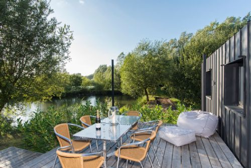 Upfront,up,front,reviews,accommodation,self,catering,rental,holiday,homes,cottages,feedback,information,genuine,trust,worthy,trustworthy,supercontrol,system,guests,customers,verified,exclusive,the pond lodge,little horseshoe lake ltd,cirencester,,image,of,photo,picture,view