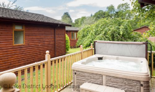 Upfront,up,front,reviews,accommodation,self,catering,rental,holiday,homes,cottages,feedback,information,genuine,trust,worthy,trustworthy,supercontrol,system,guests,customers,verified,exclusive,cedar lodge,lake district lodge holidays,windermere,,image,of,photo,picture,view