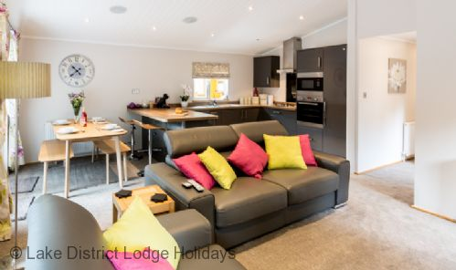 Upfront,up,front,reviews,accommodation,self,catering,rental,holiday,homes,cottages,feedback,information,genuine,trust,worthy,trustworthy,supercontrol,system,guests,customers,verified,exclusive,ridgway lodge,lake district lodge holidays,windermere,,image,of,photo,picture,view