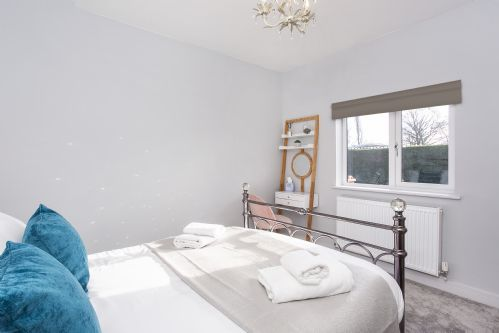 Upfront,up,front,reviews,accommodation,self,catering,rental,holiday,homes,cottages,feedback,information,genuine,trust,worthy,trustworthy,supercontrol,system,guests,customers,verified,exclusive,the potting shed,york boutique lets,york,,image,of,photo,picture,view