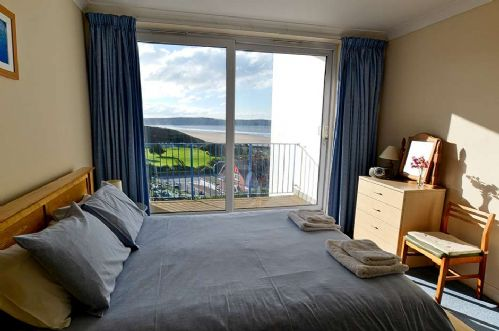 Upfront,up,front,reviews,accommodation,self,catering,rental,holiday,homes,cottages,feedback,information,genuine,trust,worthy,trustworthy,supercontrol,system,guests,customers,verified,exclusive,6 narracott apartments,holiday home hunter,woolacombe,,image,of,photo,picture,view